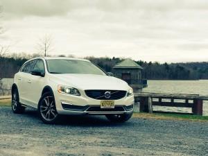 2015 Volvo V60 Cross Country Platinum