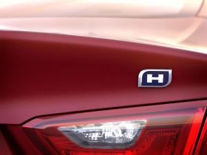 2016-Chevrolet-Malibu-Hybrid-014