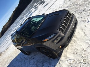 2016 jeep cherokee latitude video review by auto critic steve hammes. Black Bedroom Furniture Sets. Home Design Ideas