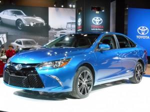 2016-Toyota-Camry-e1423780122196