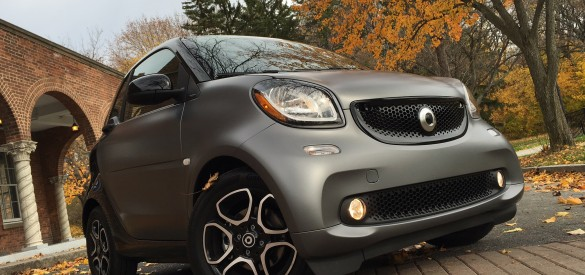 2016 Smart Fortwo Video Review By Auto Critic Steve Hammes It S Mind Boggling But Our Cities Have Become So Crowded That Parking Es Yes