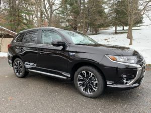 Mitsubishi Outlander PHEV 2018 Review By Auto Critic Steve