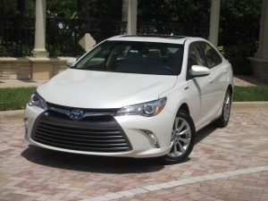 2016 Toyota Camry Hybrid Quick Takes
